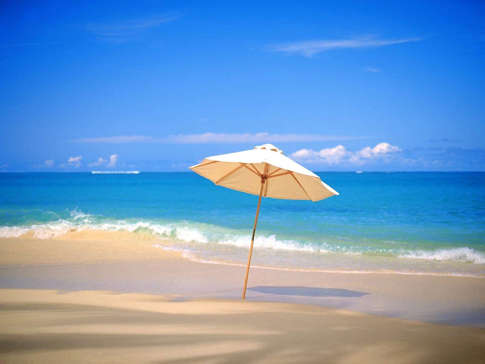 Ηλιος, θάλασσα και... ταπεράκια